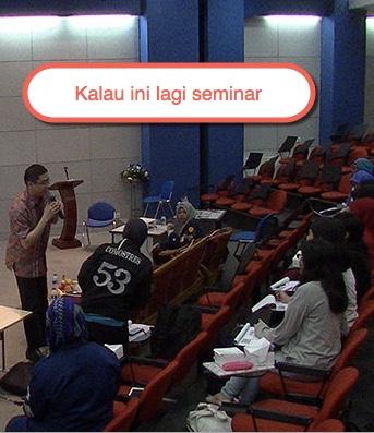 lagi-seminar di kampus YAI Jakarta